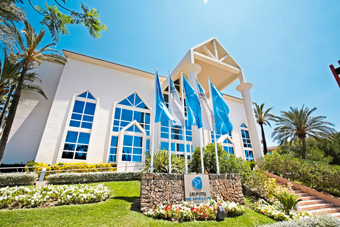 Hotelgebäude - Grupotel Parc Natural & Spa