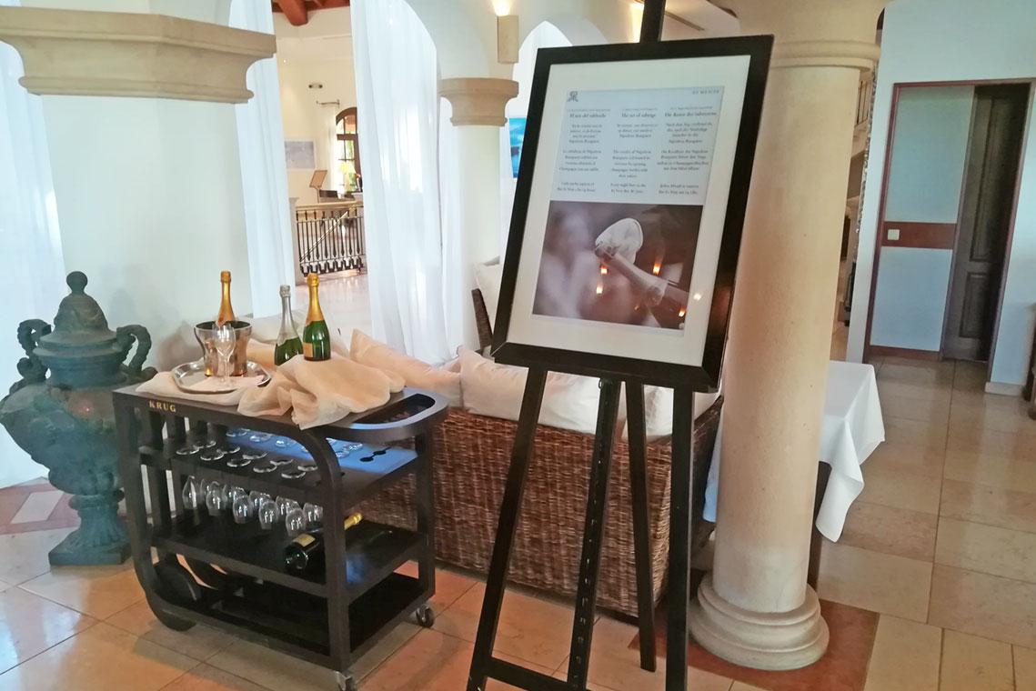 Champagne Sabering im St.Regis Mardavall