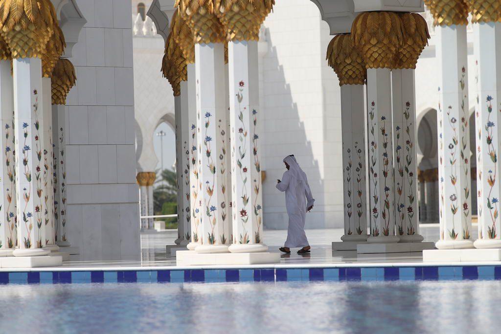 Verzierte Säulen in der Sheikh Zayed Moschee