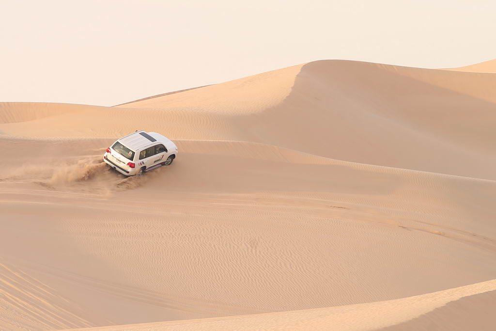 Auf Jeep-Safari in den Dünen vor Abu Dhabi