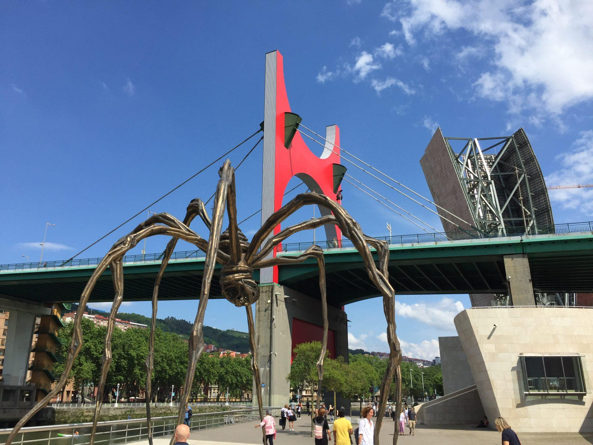 Der weltberühmte Mamman von dem Guggenheim Museum in Bilbao
