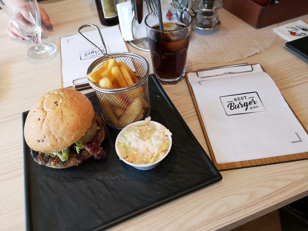 AIDAnova - Best Burger @ Sea