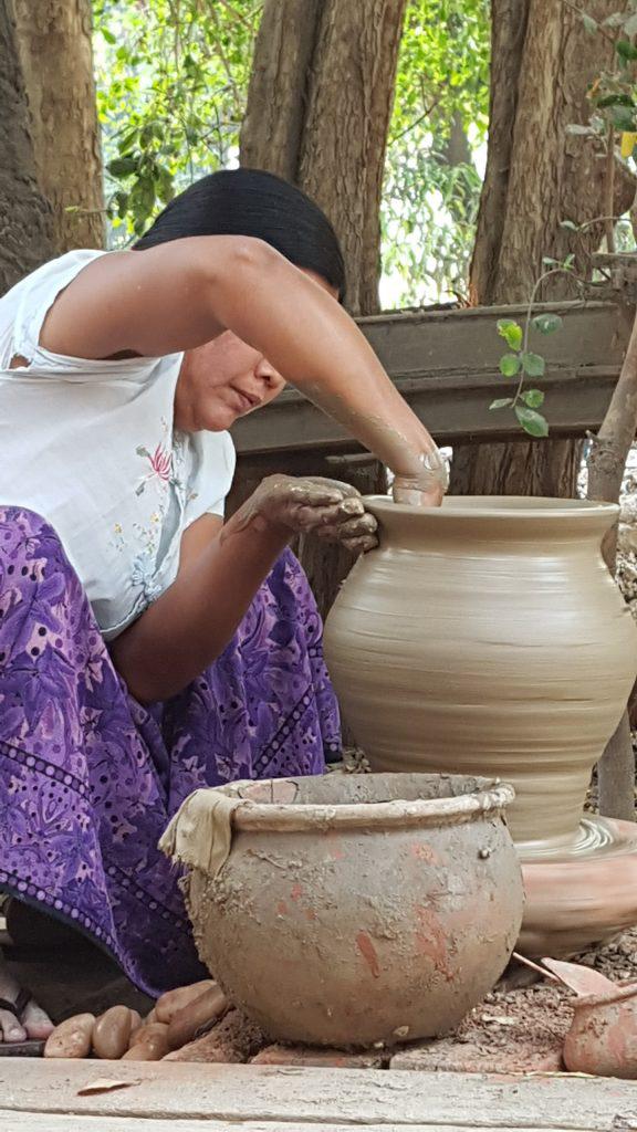 Im Dorf Yandabo