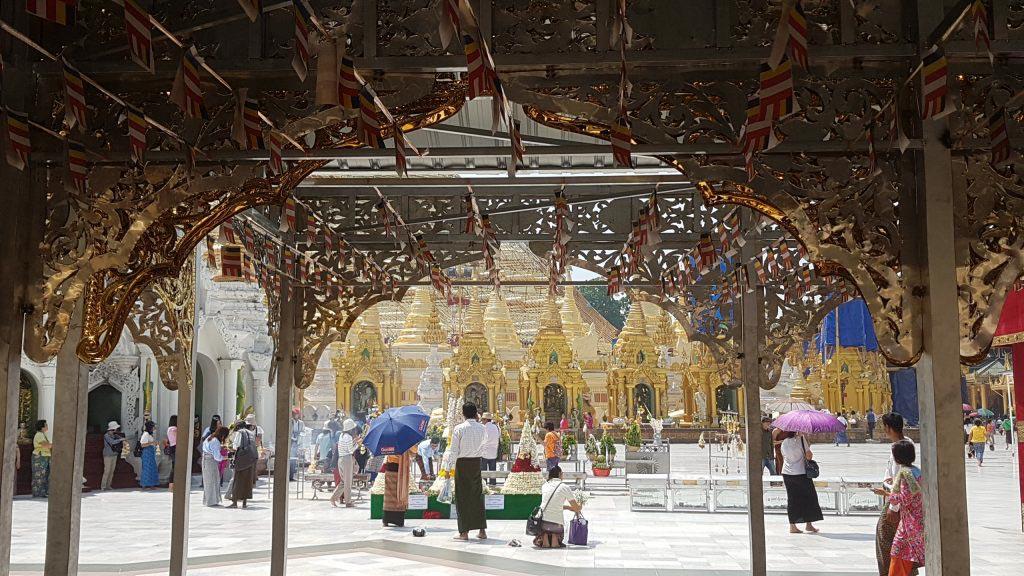 an der Shwedagon Pagode