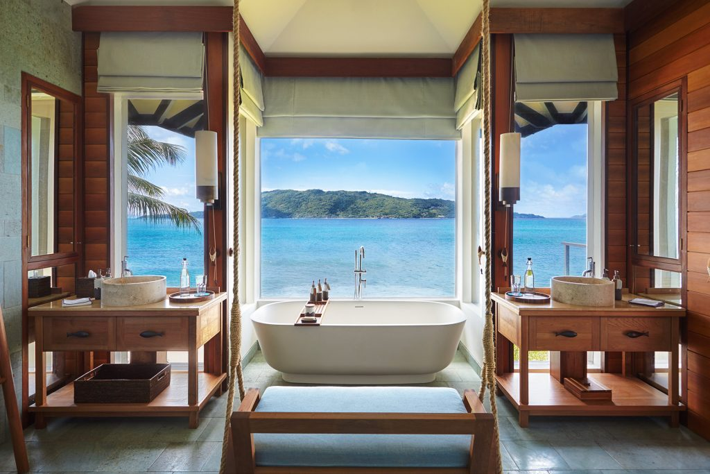 Six Senses ZIL PASYON - Three Bedroom Residence - Pool Villa Bathroom