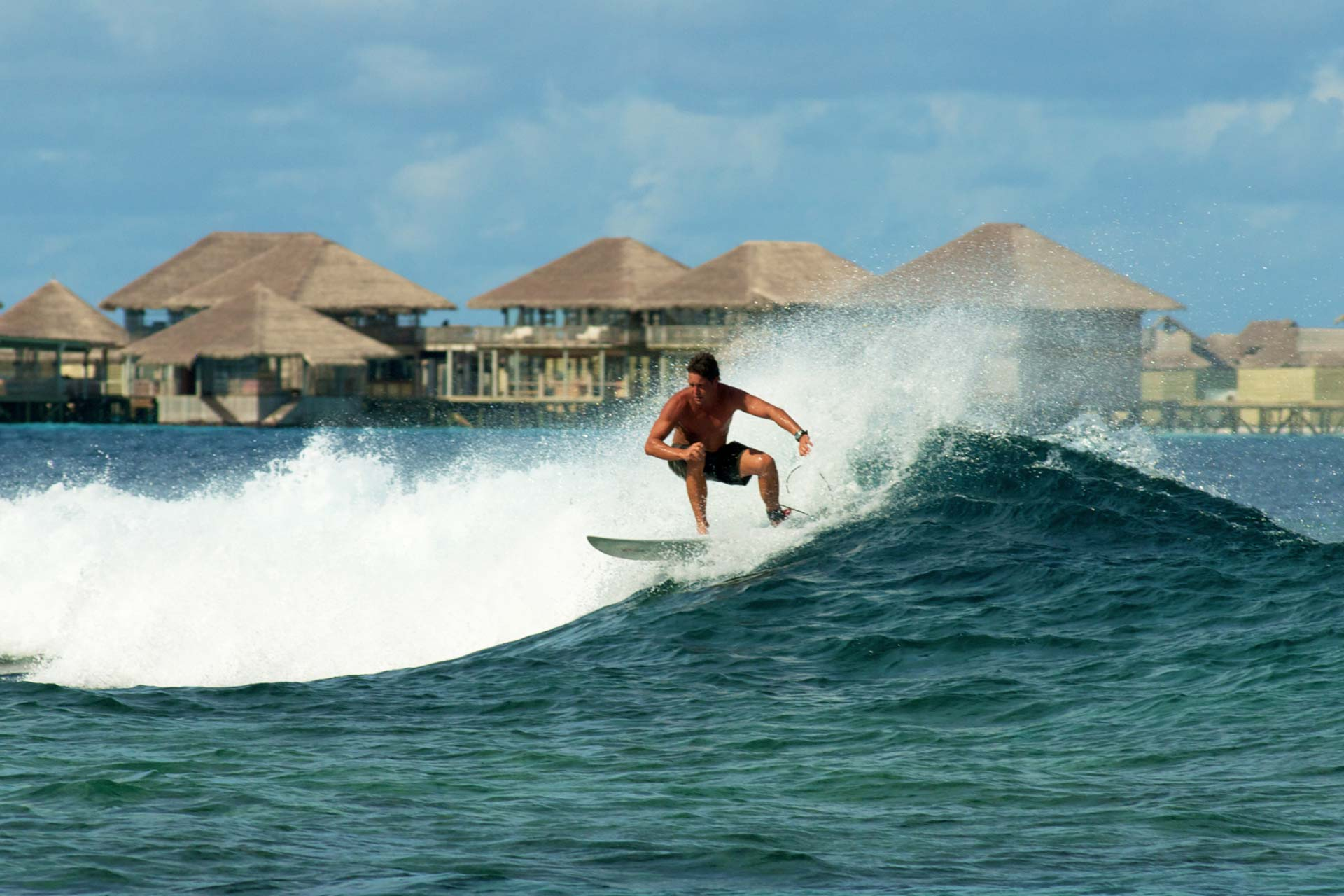 Six Senses Laamu - Surfing