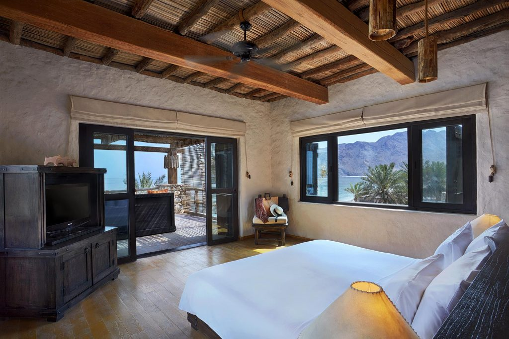 Six Senses ZIGHY BAY - Three Bedroom Beachfront Retreat Masterbedroom