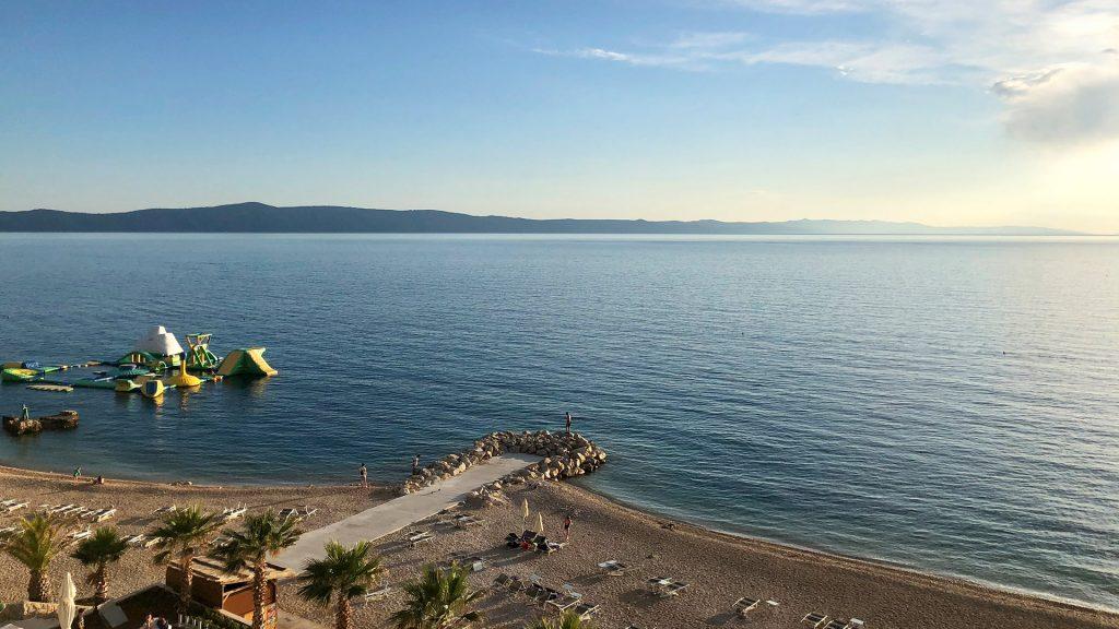 Strandabschnitt beim Medora Auri Family Beach Resort